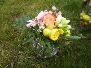 Le p'tit bouquet à 13,00€ + Vase à 10,00€